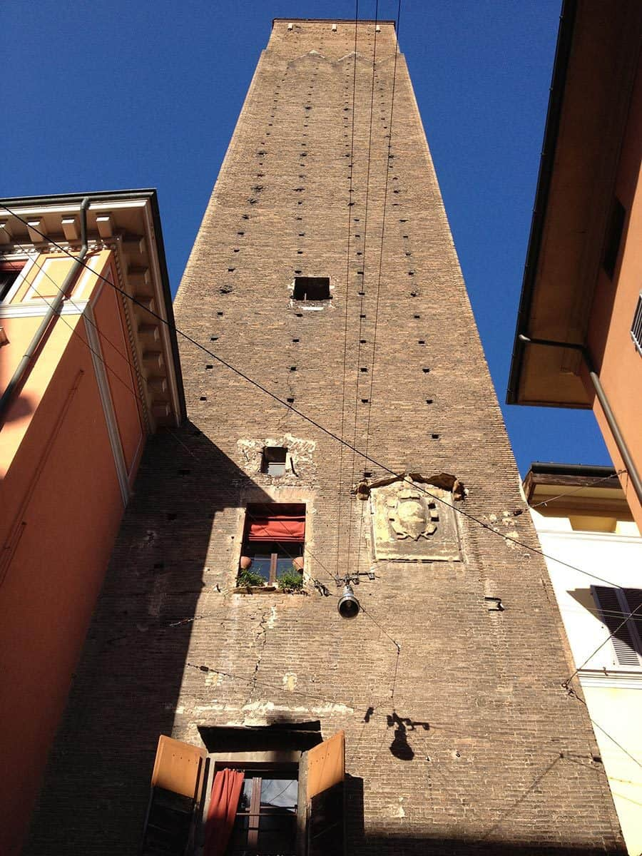 a-medieval-tower-in-bologna