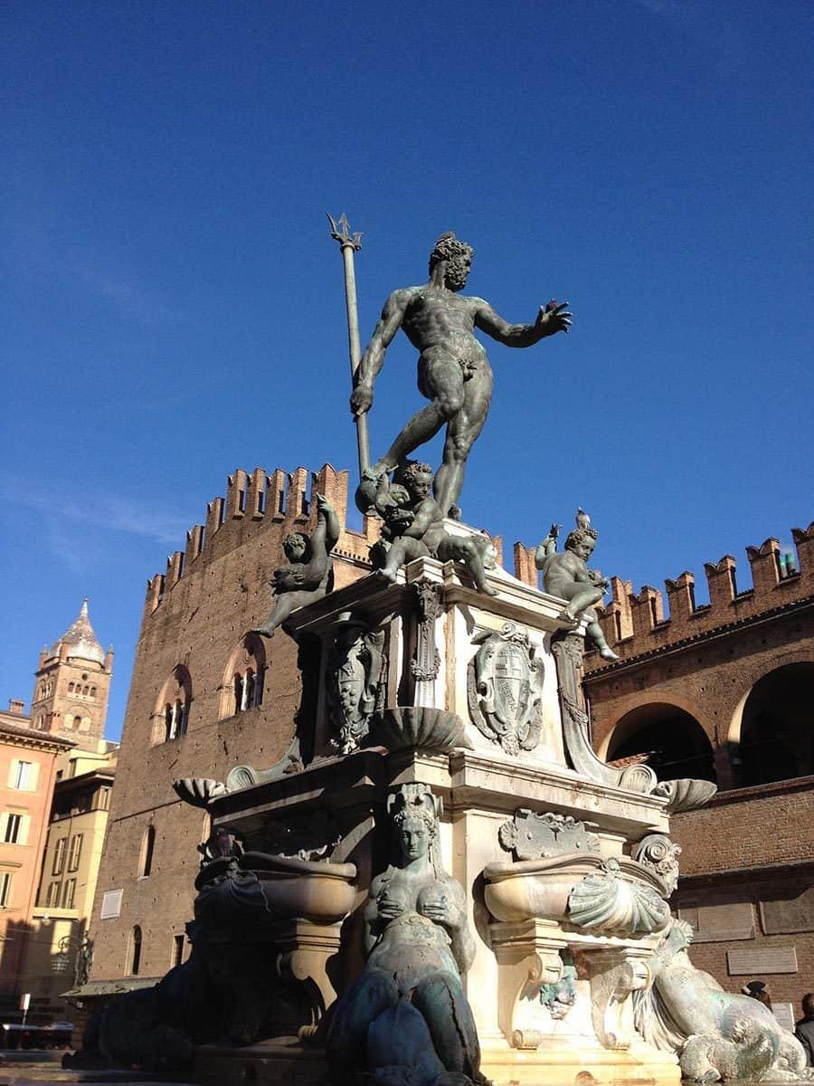 piazza-del-nettuno-in-bologna
